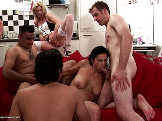 Mature Slut Mother Squirts In Crazy Group Sex
