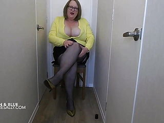 Showing My Arse In Suspender Tights
