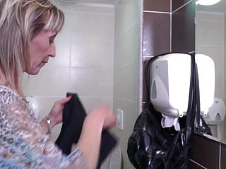 Pissing And Blowjob From Mature Mom