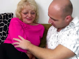 Hardcore Sex With Sexy Granny