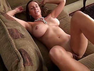 Incredible Mature Mommy Julie With Large Jugs