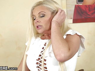 Hot Young GILF Entertains The Boy Next Door With Her Pussy