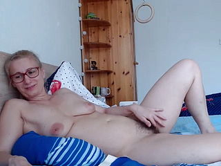 Blond MILF On Camera With Her Hairy Pussy, 2020