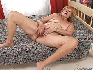 Mature Nymph Gets Her Vagina Pulverized Hard