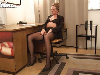 Blonde mature fuck office