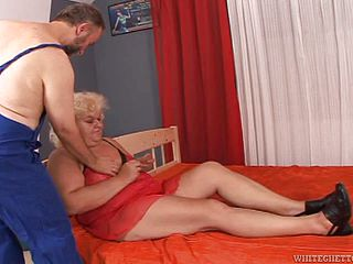 Tough Hump With The Mature Plus-size Blond Adriana
