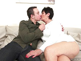 Shorthaired Brass Gives A Deep Throat And Gets Bonked With Passion