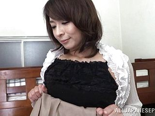 Enticing Mature Doll In A Super-sexy Brassiere Wailing As Her Wooly Cootchie Gets Munched Then Gives A Red-hot Blowjob
