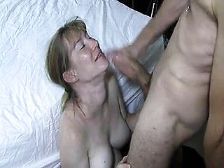 Hubby Gets Facial Cumshot From Thick Weenie Bull