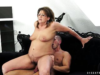 The Huge Mature Stunner Gets Her Furry Puss Nailed All Over The Couch And Enjoys It