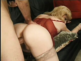 Mature Doll Kitten Fox Has Years Of Practice In Throating Meat