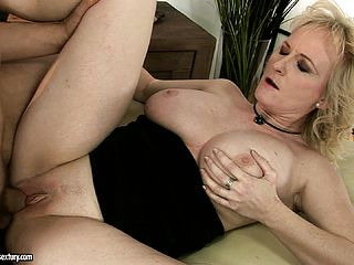 Obese Blondie Milf Gets Munched And Blows, Takes His Manstick In Both Slots