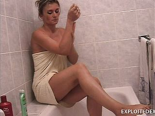 Staggering Mature Lady Carly Trims Her Gams And Takes Super Hot Tub