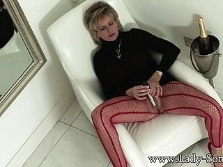 Thick Jugged Housewife Rails The Sybian Saddle And Revels Strong Delight