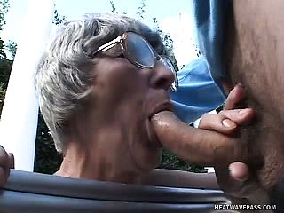 A Sloppy Older Gal Showcases The Benefits Of Age In A Super Naughty Threeway