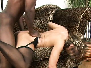 Enrapturing Hussy Kelly Leigh Luvs Having Her Culo Plugged By Bbc