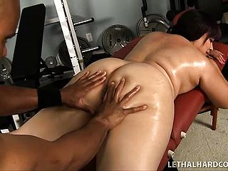 Bootylicious Dark Haired Twilight Starr Entices Her Ebony Trainer And He Nails Her Needy Cootchie