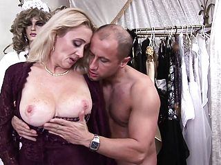 Hot Cougar Petra Moves Her Undies To The Side And Gets Drilled By Miklos