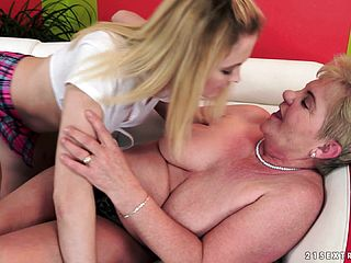 Naughty GILF Gets Carnal With A Youthful Unexperienced Ash Blonde Damsel