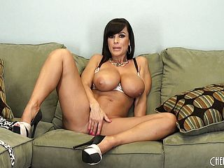 Big Boobed Lisa Ann Gropes Her Pretty Pinkish Labia And Dildoes It Moist