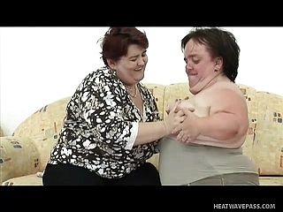 Phat Chunky Female Engages In Super Hot Girly Girl Act With A Midget