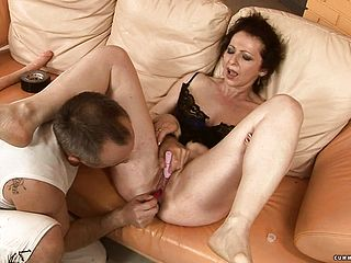 Slutty Mature Debra Has A Kinky Fellow Taking Care Of Her Sexual Urges