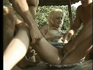 Stacked Mature Doll Invites 4 Wild Men To Penalize Her Flamy Fuck Holes