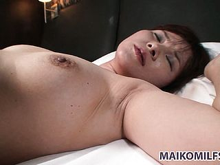 This Hourglass Shaped Japanese Wide Luvs To Sate Her Mens Jizz Shotguns