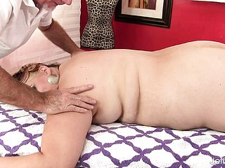Bodacious Chick Getting Her Sore Slots Satiated By A Kinky Masseuse