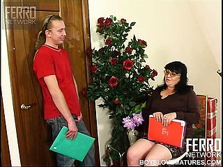 Chubby Mature Brown Haired Victoria Converses To Anthony And Gets Weird