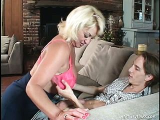 Dana Hayes Is A Stunning Grannie Getting Her Hatch And Vag Packed