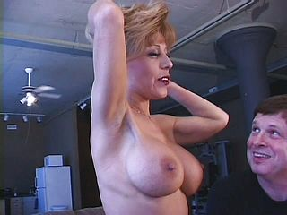 Sammie Sparks Is Pleasured By A Vibro Before Screwing Her Paramour